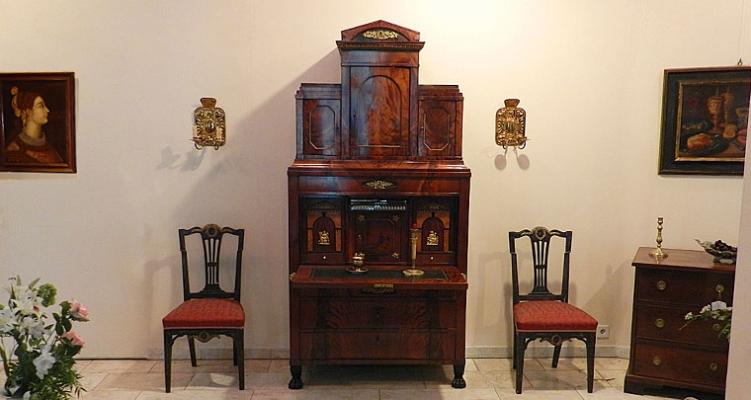 Katalog Antikes Mobiliar